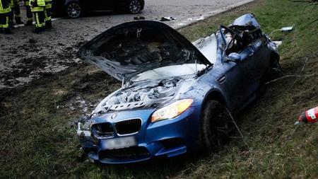 Dolorpasión™: Un BMW M5 F10 se estrella a 300 km/h en la Autobahn