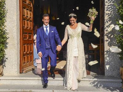 Fin de semana cargado de bodas en el mundo del fútbol y así han sido los vestidos de novia de sus chicas