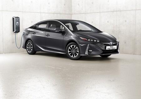 Toyota afirma que aún es pronto para centrarse en los coches eléctricos porque no es lo que los clientes quieren