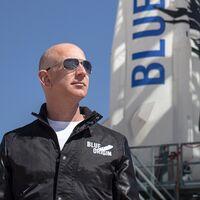 """Jeff Bezos viajará al espacio en el primer vuelo de Blue Origin, que estará acompañado además por su hermano en esta """"gran aventura"""""""