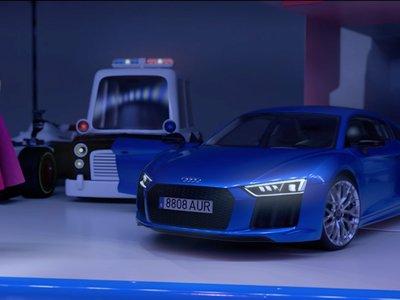 ¡Basta de sexismo! Audi envía un mensaje navideño sobre la igualdad de género al manejar un R8