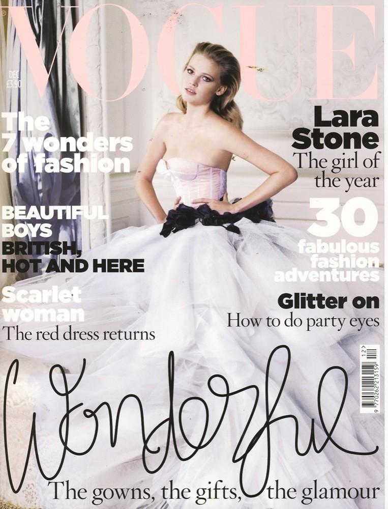 Foto de Lara Stone es la mujer del año para Vogue UK (1/10)