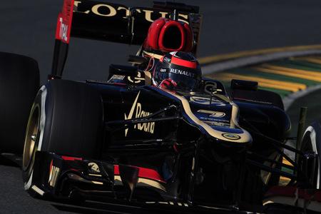 Kimi Raikkonen sorprende y gana el Gran Premio de Australia por delante de Fernando Alonso