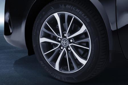Neumatico Toyota Avensis