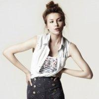 Zara elige los mejores looks para estas rebajas verano 2010: estilos contra el calor