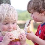 Conoce las principales fuentes de sodio en los niños