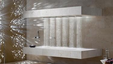 ¿Buena o mala idea?: una ducha horizontal