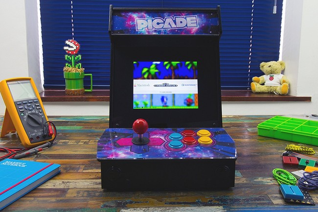 Pimoroni picade. The Raspberry Pi desktop Arcade.