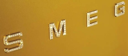 smeg frigo gold, logo con cristales swarovsky