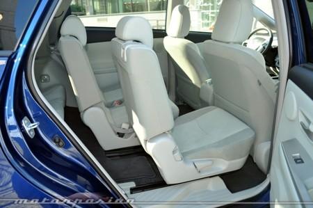 Asiento desplazado Prius+