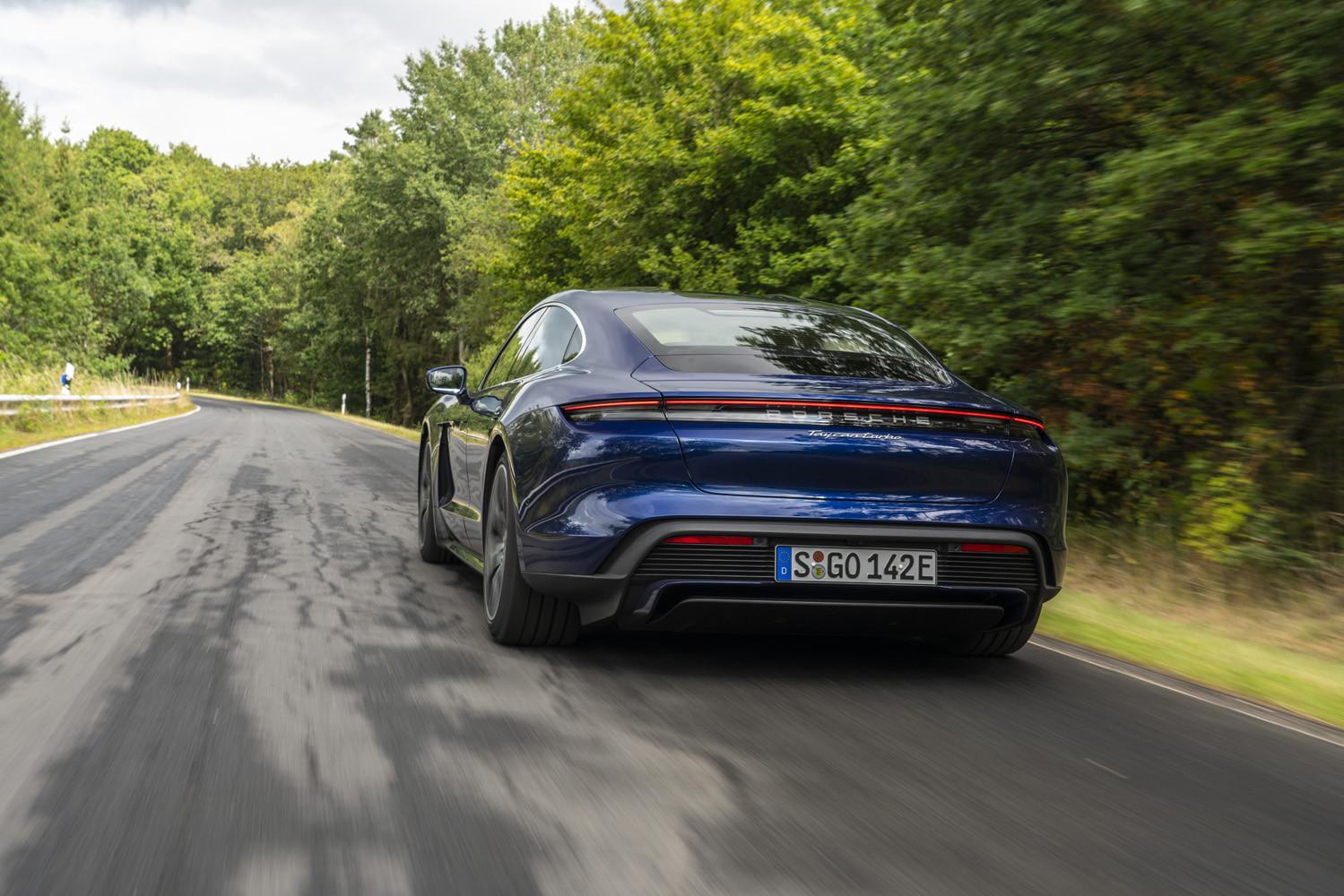 Foto de Porsche Taycan prueba contacto (31/275)