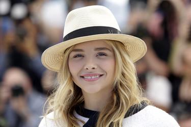 ¿Cómo lucir un sombrero perfecto? Chloë Moretz y Cara Delevingne tienen looks de 10 en Cannes