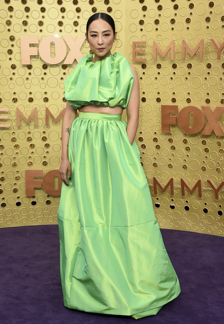 Greta Lee Christopher John Rogers Premios Emmy 2019