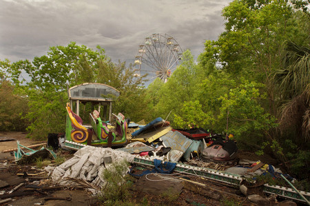 Abandonded Theme Park Seph Lawless 20