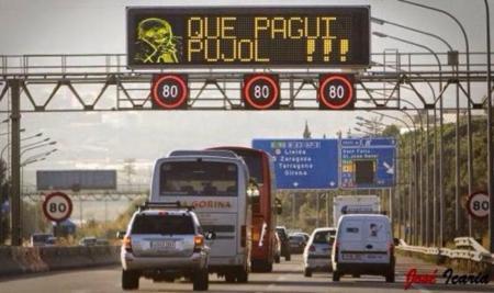 """Cazadores de fakes: no, no han """"jaqueado"""" los paneles de las autopistas catalanas"""