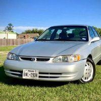 """Se vende """"un jodido Toyota Corolla de 1999"""" con el anuncio más sincero que hemos visto hasta la fecha"""
