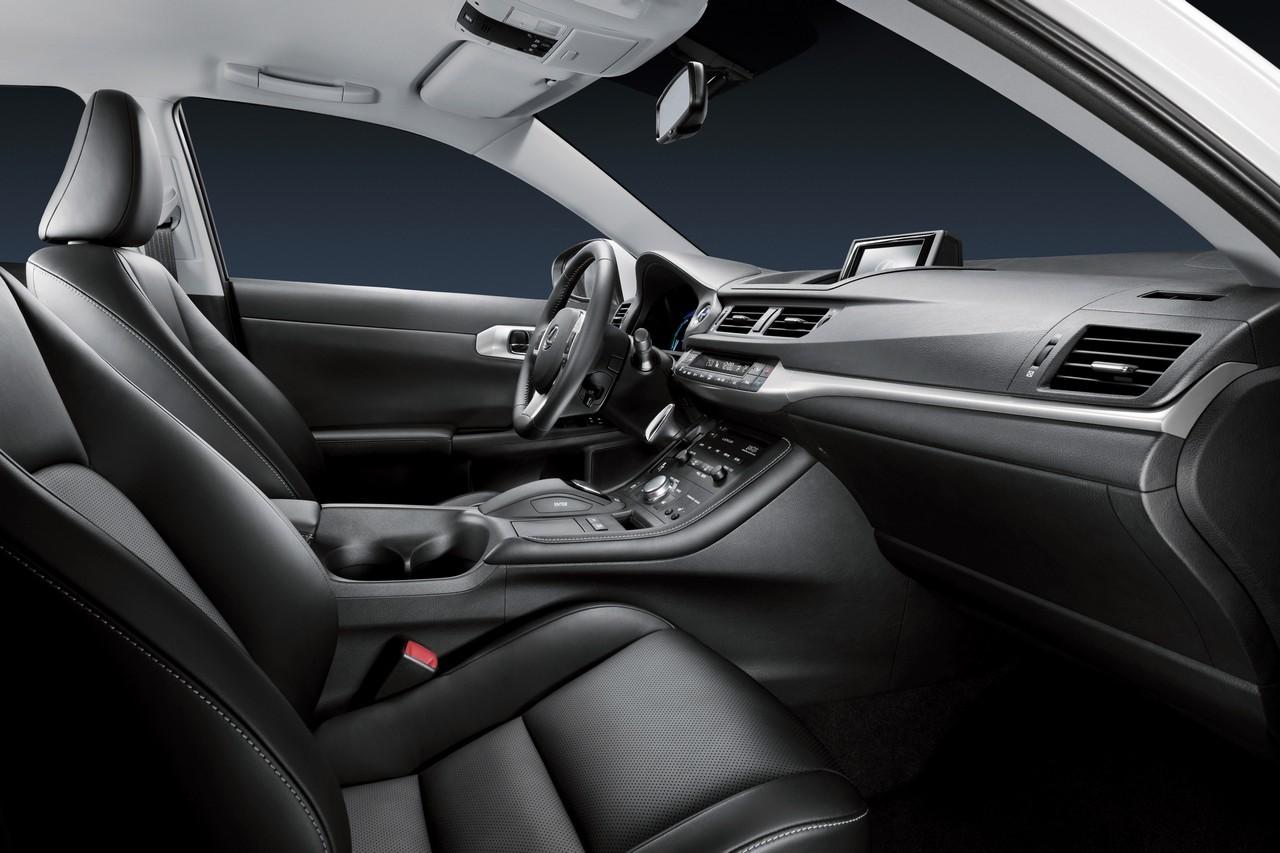 Foto de Lexus CT 200h (147/164)