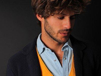 Los colores del otoño más alegres en los looks masculinos de Scalpers