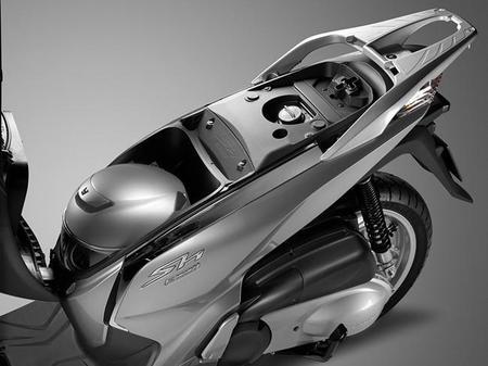 Honda Scoopy SH300i 2015