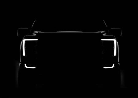 La Ford F-150 2021 insinúa su imponente frontal a una semana de su estreno