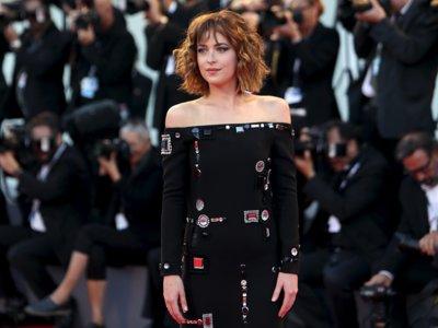 Dakota Johnson seduce en el Festival de Venecia