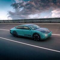 El coche eléctrico solar Lightyear One supera los 700 km de autonomía con una sola carga y una batería de 60 kWh