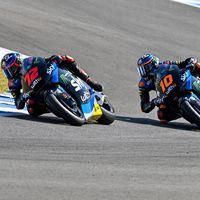 Luca Marini sigue mandando en Jerez y lidera otro doblete del VR46, aunque la moto de Marco Bezzecchi acabó en llamas