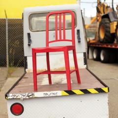 Foto 3 de 7 de la galería 111-navy-chair-reciclando-plastico-con-estilo en Decoesfera