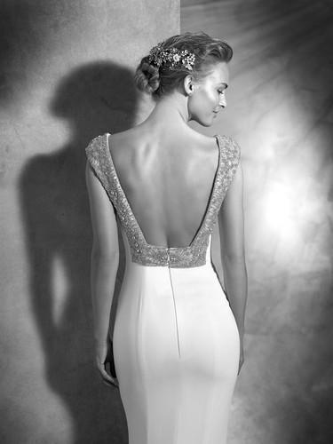 Las espaldas escotadas son las protagonistas de las novias más sensuales