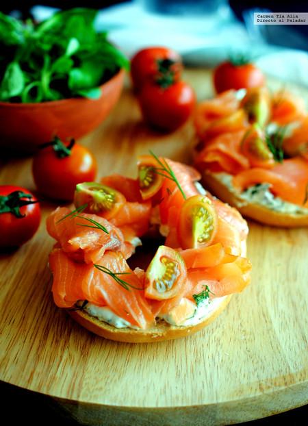 Bagel con salmón y tres quesos al eneldo: receta para una cena rápida