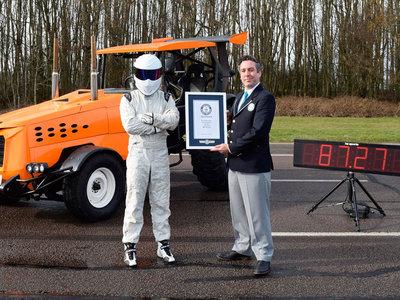 El tractor más rapido del mundo lo ha desarrollado Top Gear y hace historia a 140,3 km/h