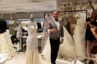 """Entrevista con Manuel Mota: """"Cada vez más las novias demandan vestidos más atrevidos y más diferentes"""""""