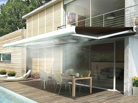 Duchas portátiles, de suelo, nebulizadores… Soluciones para refrescarse en jardín o terraza sin piscina