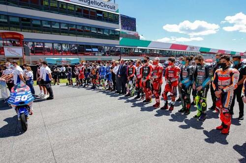 """Jason Dupasquier y el show que debe continuar: """"Si hubiese muerto un piloto de MotoGP no habríamos corrido"""""""