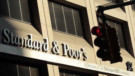 Las razones de Standard & Poor's por bajar el rating de España
