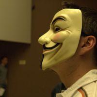 Anonymous publica los datos personales de 5.400 agentes de la Policía Nacional española