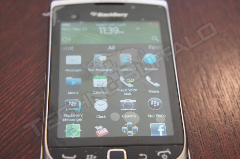 Foto de BlackBerry Torch 2 9810, más imágenes del nuevo híbrido de RIM (14/22)