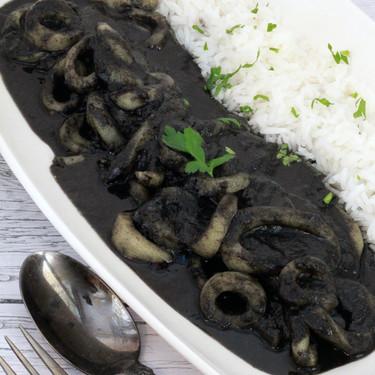 Calamares en su tinta, la receta tradicional que nunca falla