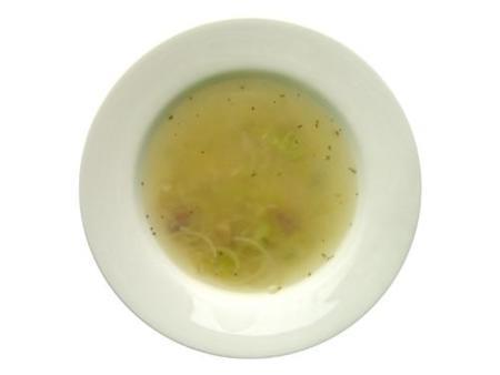 Sopa de apio y puerro para adelgazar