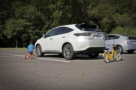 Así son los nuevos sistemas de ayuda en el aparcamiento de Toyota