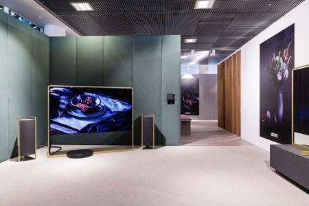Loewe quiere dar un giro de tuerca a los televisores OLED y apuesta por hacerlos modulares