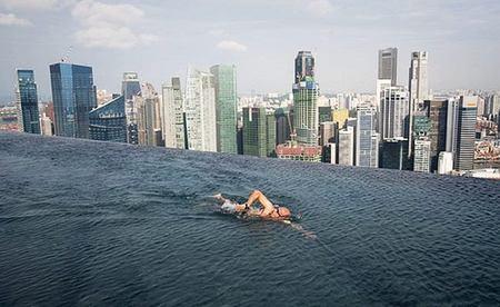 Skypark Sands, una piscina a 200 metros de altura