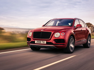 Bentley Bentayga V8 2018: 550 CV, 290 km/h y 0-100 en 4,5 segundos, su tarjeta de visita