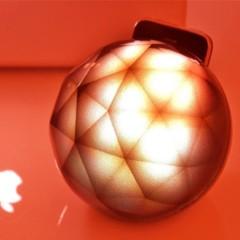 Foto 4 de 5 de la galería un-soporte-para-iphone-que-decora-con-luz-y-color en Decoesfera