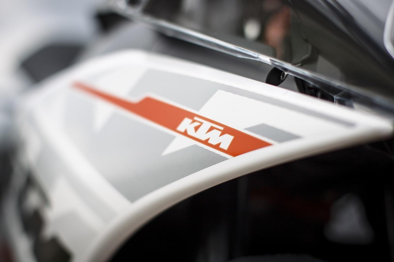 Foto de KTM RC 390, estudio y detalles (8/26)