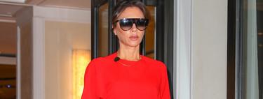 Victoria Beckham sabe que combinar el estampado animal con el color rojo es señal de absoluto éxito