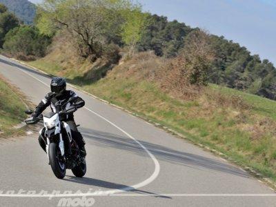 """Una Ducati Hypermotard con extra de picante: """"hiperdiversión"""" en carretera"""