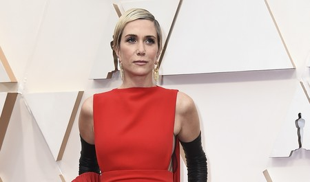 Kristen Wiig enamora en la alfombra roja de los Oscar 2020 con su original propuesta