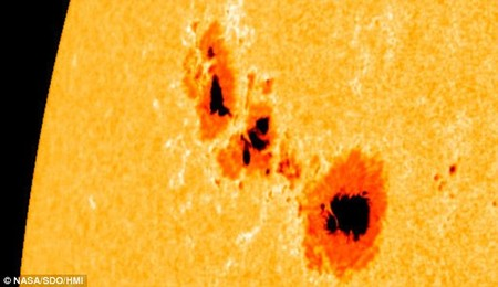 Sunspots 1302 Sep 2011 By Nasa