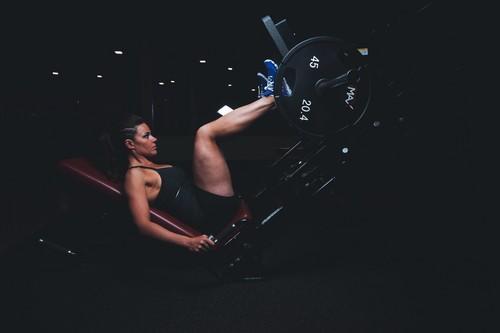 Entrenamiento en prensa en el gimnasio para las piernas y glúteos: esto es lo que tienes que saber para sacarle partido